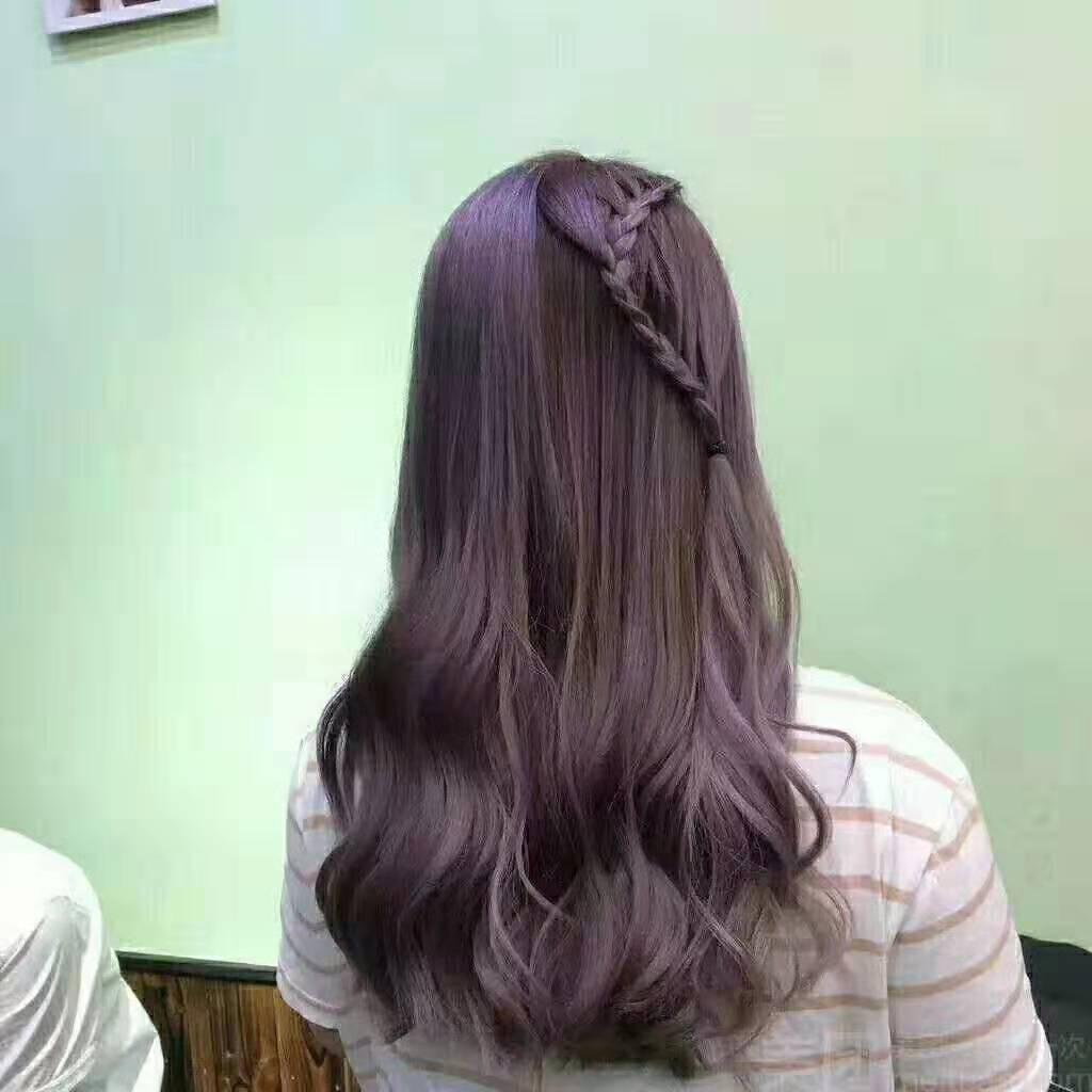 青春的脚步,奈何被头发卷住了,换个发型怎么样?